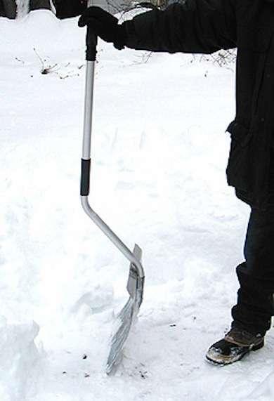 лопата с изогнутым черенком