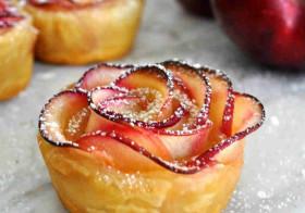Розочки из теста с яблоками