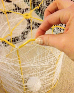 делаем плетеный абажур